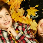 4 Reasons Why Fall Is Great For Family Portraits