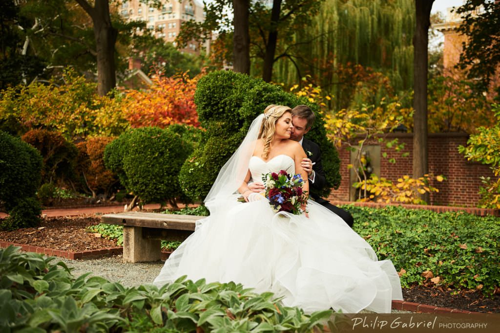 Wedding photos in Garden Old City Philadelphia