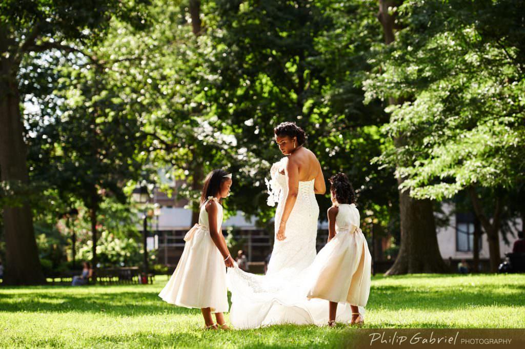 Wedding photos in Washington Square Park Philadelphia