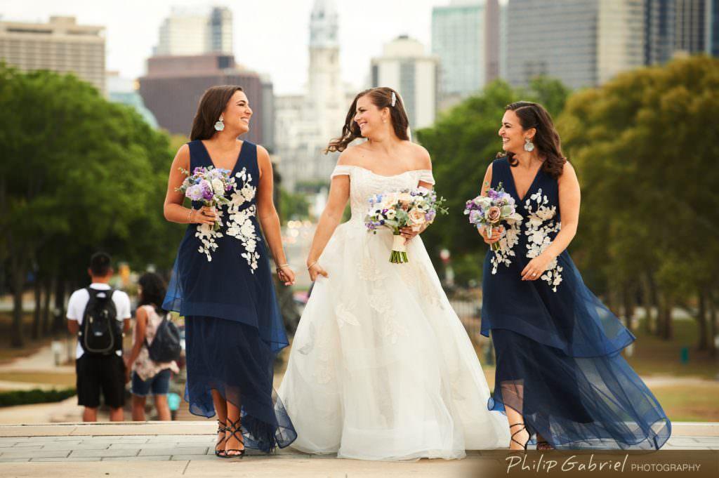 Wedding photos at the Philadelphia Museum of Art